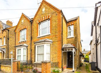 Thumbnail 1 bed flat to rent in Grove Road, Windsor, Berkshire