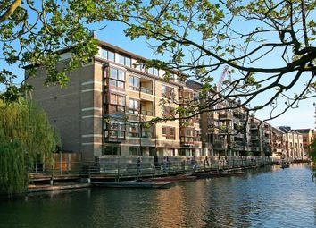 Thumbnail 3 bedroom flat to rent in Beaufort Place, Cambridge