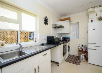 Thumbnail 2 bedroom flat for sale in Boars Hill, Oxford