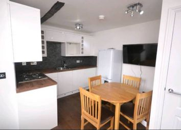 Thumbnail 2 bed flat to rent in Church Street, Reading