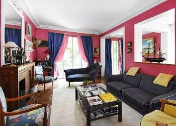 Thumbnail 4 bed property for sale in Neuilly-Sur-Seine, France