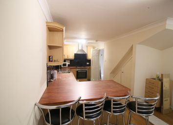 Thumbnail 5 bed town house to rent in Berkeley Close, Southampton