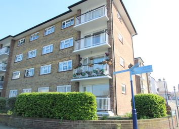 Thumbnail 2 bedroom flat to rent in Queen Street, Gravesend