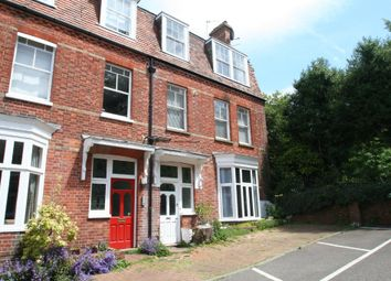 Thumbnail 2 bed flat to rent in Grove Avenue, Tunbridge Wells