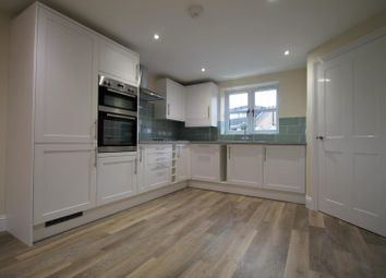 Thumbnail 2 bed property to rent in Lingfield Road, East Grinstead