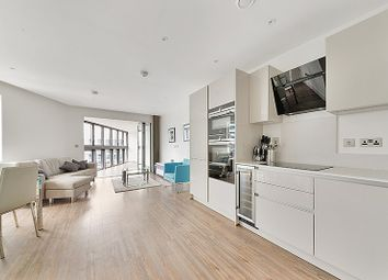 3 bed flat to rent in Wiverton Tower, Aldgate East, Shadwell, London E1