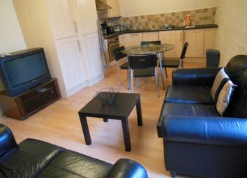 Thumbnail 2 bed flat to rent in Piccadilly, Bradford, West Yorkshire