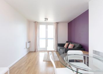 1 bed flat to rent in City Tower, 3 Limeharbour, London E14