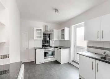 Thumbnail 1 bed flat to rent in Duntshill Road, Earlsfield, London