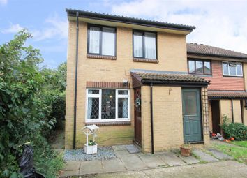 Thumbnail Maisonette for sale in Pippins Close, West Drayton
