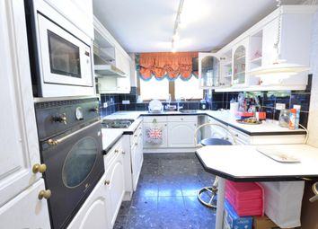 Thumbnail 2 bed flat to rent in Etchingham Park Road, Finchley