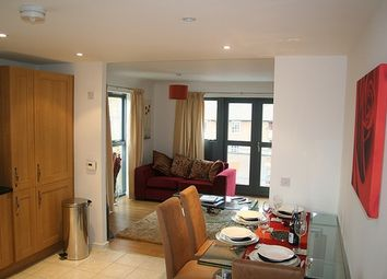 Thumbnail 3 bedroom flat to rent in Kenninghall Road, Stoke Newington