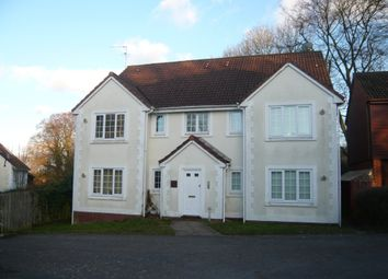 Thumbnail 2 bed flat to rent in Royal Close, Basingstoke