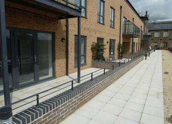 Thumbnail 2 bedroom flat to rent in Kings House, Swindon, Wiltshire