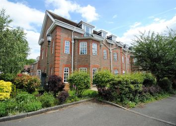 Thumbnail 2 bed flat for sale in Benningfield Gardens, Berkhamsted
