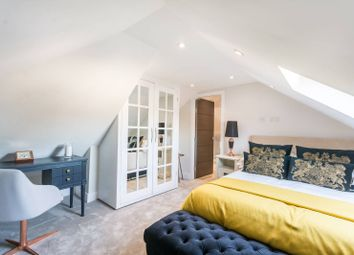Thumbnail 2 bedroom flat for sale in Edward Avenue, Chingford
