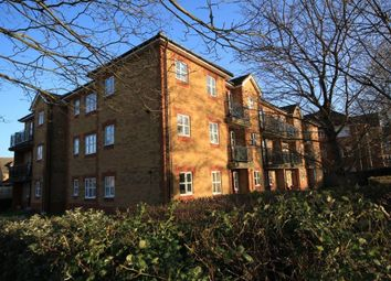 Thumbnail 2 bed flat to rent in Elliots Way, Caversham, Reading