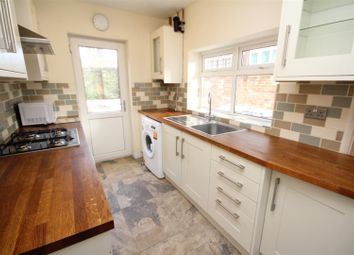 3 bed property to rent in Margaret Road, Guildford GU1