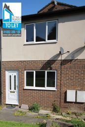 Thumbnail 1 bedroom maisonette to rent in Stockwood Crescent, Luton Bedfordshire