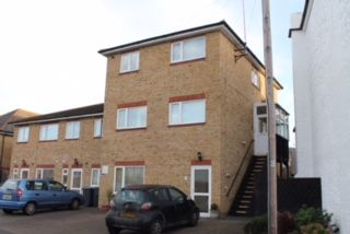 Thumbnail 2 bedroom flat to rent in Balfour Road, Dover