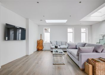 Stanton Road, Barnes, London SW13. 2 bed mews house for sale