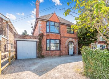 Thumbnail 4 bed detached house to rent in Butts Hill Road, Woodley, Reading