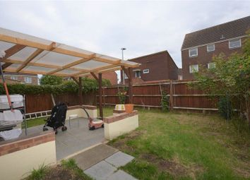 Thumbnail 2 bed flat to rent in Rochfords Gardens, Slough