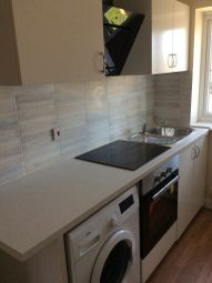 Thumbnail 2 bed flat to rent in Barra Wood Close, Hayes