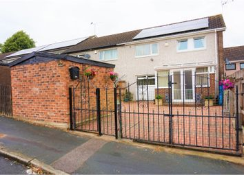Thumbnail 6 bed terraced house for sale in Holdforth Gardens, Leeds