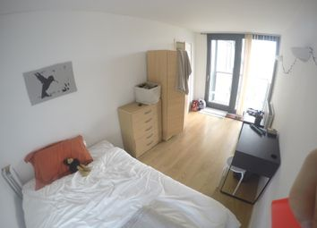 Thumbnail 3 bedroom shared accommodation to rent in Proton Tower, Blackwall Way