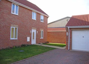 Thumbnail 3 bed property to rent in Farrfield, Swindon