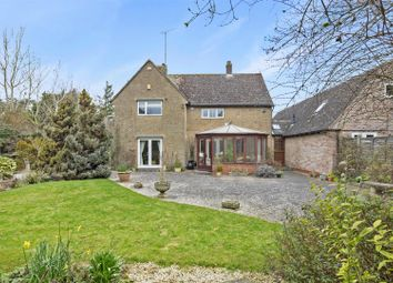 Thumbnail 5 bed detached house to rent in Fosseway Avenue, Moreton-In-Marsh