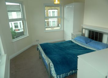 Thumbnail Studio to rent in Northcote Road, London