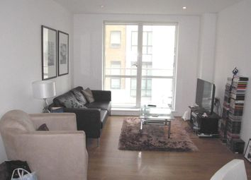 Thumbnail 2 bed flat to rent in Yeo Street, London
