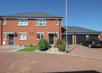 School Avenue, Laindon, Basildon SS15. 3 bed semi-detached house