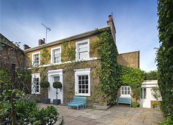 4 bed property for sale in Acacia Road, St John's Wood, London NW8