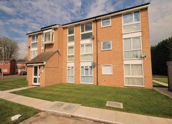 Thumbnail 2 bedroom flat for sale in Trotwood, Chigwell