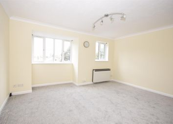 Thumbnail Flat to rent in Garlands Road, Redhill, Surrey