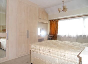 Thumbnail Room to rent in Hallmead Road, Sutton