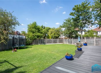 3 bed maisonette for sale in Vineyard Avenue, Mill Hill, London NW7