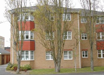 Thumbnail 1 bed flat to rent in Suffolk Close, Burnham, Slough