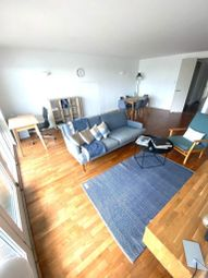 Thumbnail 2 bed flat to rent in New Providence Wharf, 1 Fairmount Avenue, Canary Wharf, Blackwall, London