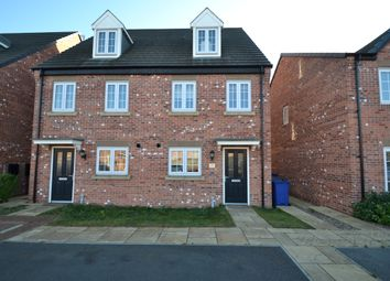 Thumbnail 3 bed town house for sale in Fairlands Grove, Auckley, Doncaster