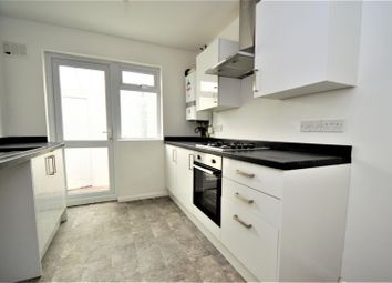 3 bed property to rent in Woodlands Road, Gillingham ME7
