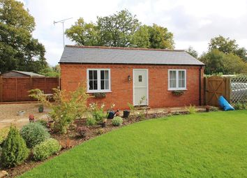 Thumbnail 1 bed detached bungalow to rent in Wakemans, Upper Basildon, Reading