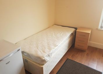 Thumbnail Room to rent in Hampton Street, Joiners Square Industrial Estate, Stoke On Trent