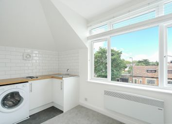 Thumbnail 1 bedroom flat to rent in Upper Richmond Road West, London