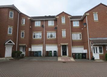 4 bed town house to rent in Kensington Way, Middleton, Leeds LS10