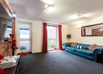 3 bed property for sale in Shipwright Road, Canada Water, London SE16