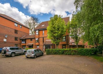 Thumbnail Studio to rent in Clowser Close, Sutton